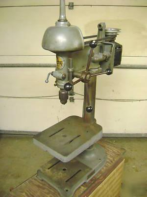 Walker Turner 900 Series Vintage Benchtop Drill Press